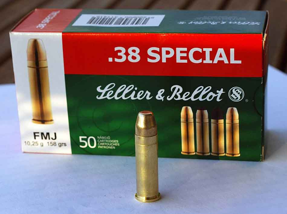 a 38 special ammunition cartridge and box